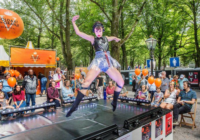 De Dutch Don't Dance Division op het UIT Festival 2018 op het Lange Voorhout.