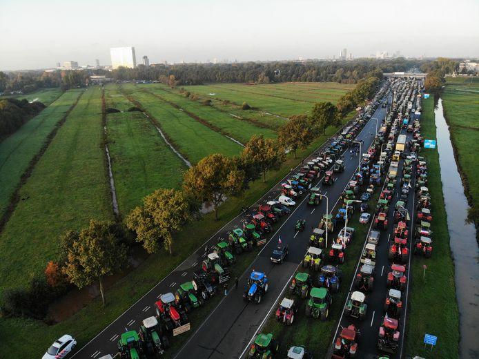 Boerenprotest tegen de stikstofregels bij de RIVM in De Bilt