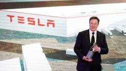 Elon Musk roept Tesla-werknemers op harder te werken
