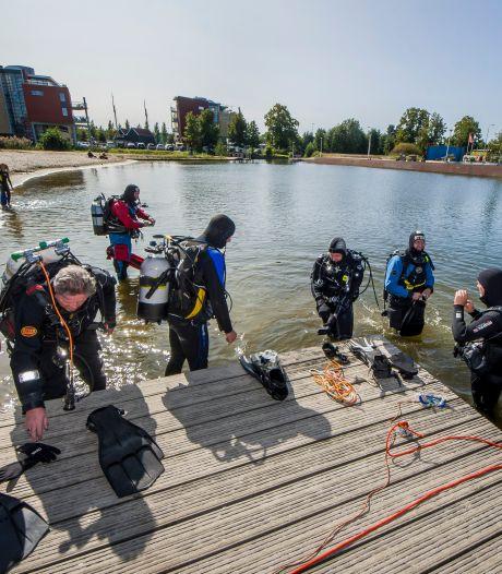 Duikers kunnen mysterie verdwenen waterfiets in Almelo niet ontrafelen