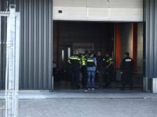 Politie valt grootscheeps binnen bij autogarage in Goes