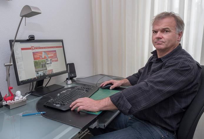Wil Hendriks  (59) uit Ottersum. Computeren, televisiekijken. Je zit zo aan acht uur, gokt hij.