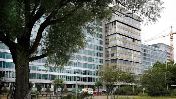 Het voormalig Gak-gebouw in Bos en Lommer werd eerder al verbouwd tot woningen.
