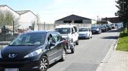Tot anderhalf uur aanschuiven aan recyclageparken Lauwe en Gullegem