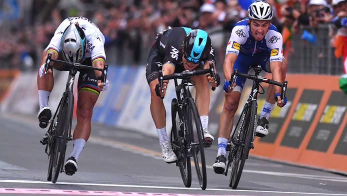 Van links naar rechts: Peter Sagan, winnaar Michal Kwiatkowski en Julian Alaphilippe.