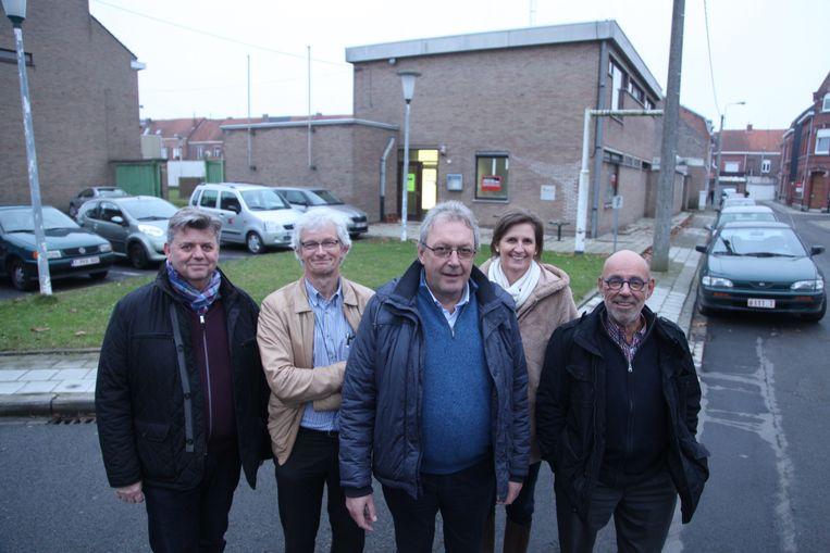Het team van ELG De Piramide startte in 2017 met directeur Peter Depoot en de vier artsen Geert Van Den Eynde, Carl De Rycke, Greet Vandeweege en Claude Van Keirsbilck in de oude rijkswachtskazerne op het Vander Merschplein.