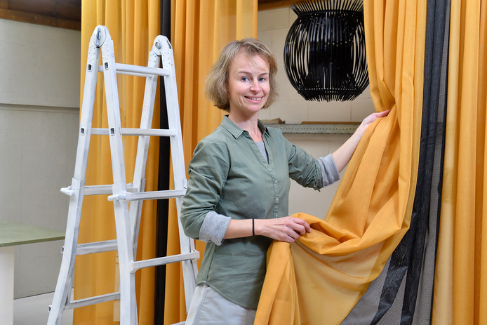 """Kim Olde Loohuis: """"Ik pas gordijnen echt toe in de woning."""""""