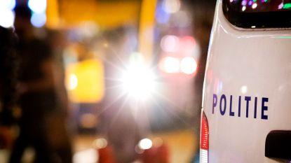Politie pakt man op die met mes zwaaide en omstanders lastigviel in Amsterdam