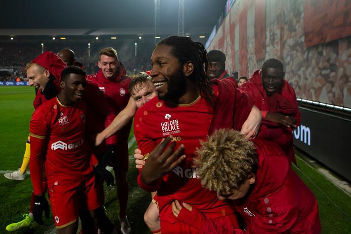 """L'Antwerp s'est qualifié pour les quarts de finale de la Coupe de Belgique de football. Mardi soir au Bosuil, le """"Great Old"""" a battu le Racing Genk à l'issue de la séance de tirs au but (4-3). Le score était de 2-2 après le temps de réglementaire et de 3-3 après les prolongations."""
