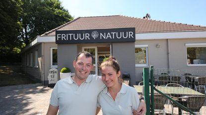 Mike en Julie baten Frituur Natuur uit