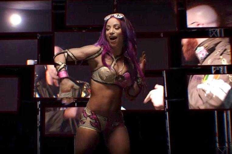 Ook Sasha Banks maakte haar opwachting in de reclamespot.