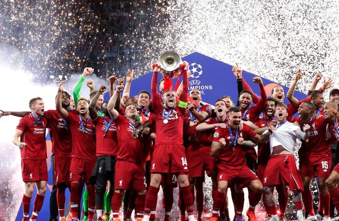 15 ans après le miracle d'Istanbul, Liverpool soulève à nouveau la Coupe aux grandes oreilles.