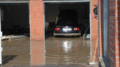 """Gemeente brengt knelpunten in kaart na twee dagen wateroverlast: """"We gaan de riolen vernieuwen, maar weten nog niet wanneer"""""""