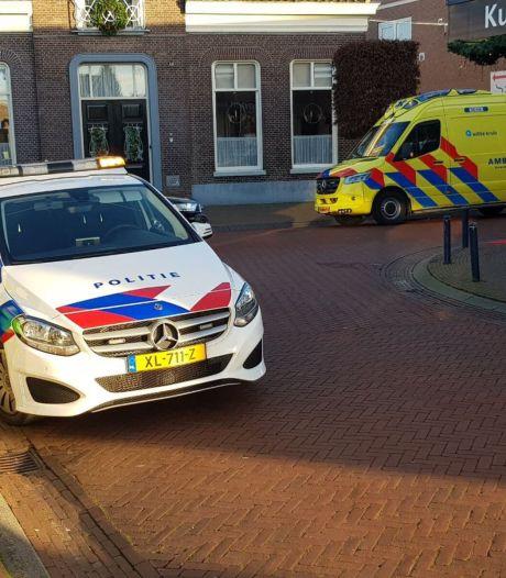 Wielrenner botst achterop auto en raakt gewond in Ruurlo