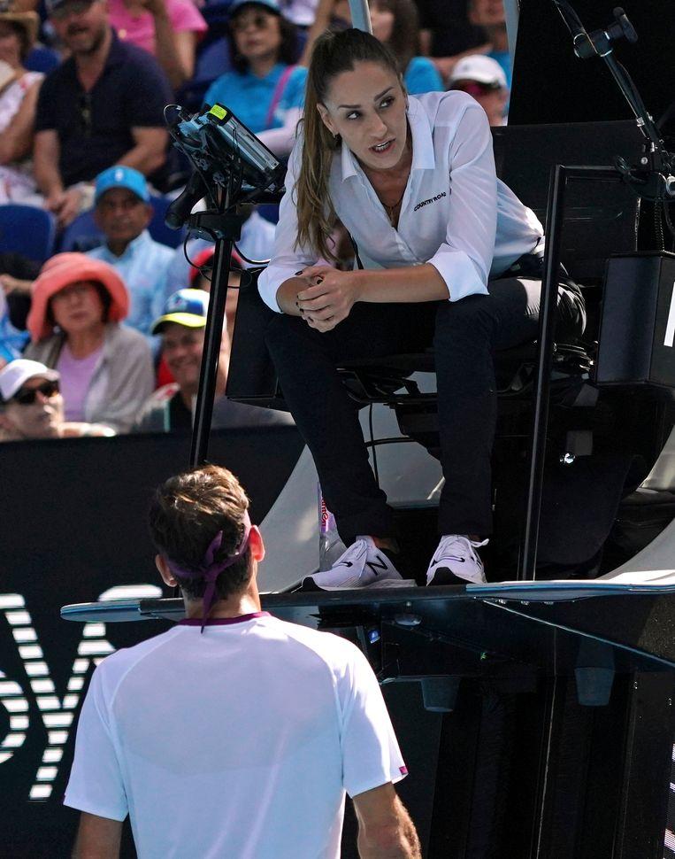 Marijana Veljovic in gesprek met Roger Federer.