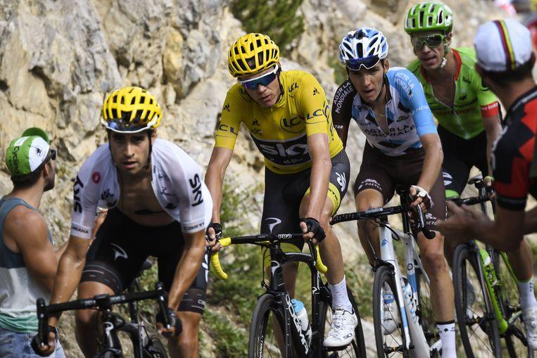 (Van links naar rechts) De Spaanse Mikel Landa, De Britse Christopher Froome, De Franse Romain Bardet En de Colombiaanse Rigoberto Uran. Beeld AFP