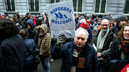 """Burgerplatform geeft 700 migranten onderdak """"uit vrees voor geweld"""""""
