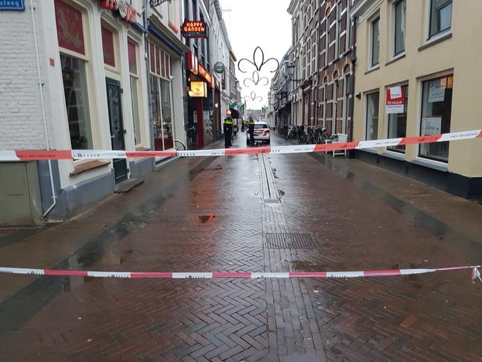 Er is een groot gebied in de binnenstad van Kampen afgezet.