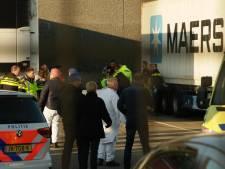Man zwaargewond tussen trailers gevonden in Helmond