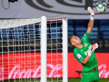 Cillessen houdt doel schoon en doet met Valencia weer volop mee in strijd om Europees voetbal