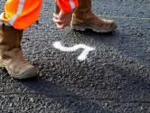 Britse en Poolse 'asfalteerders' lichten bedrijf op in Sprang-Capelle