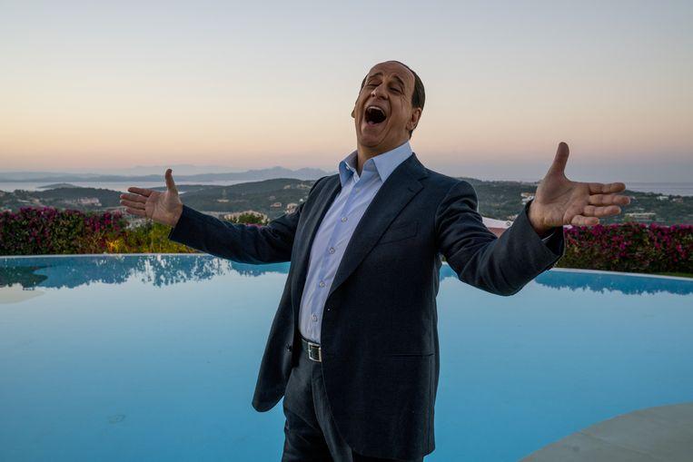 Toni Servillo als Silvio Berlusconi in Loro.  Beeld Gianni Fiorito