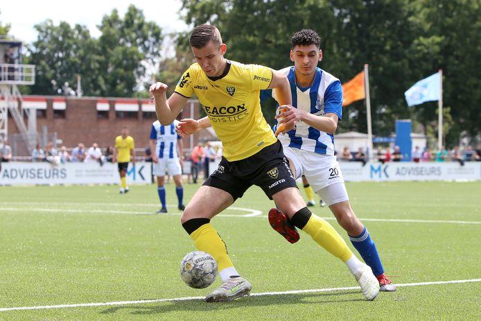 Jessy Hendrikx speelde in de voorbereiding nog mee in een oefenwedstrijd van het eerste van VVV tegen EVV Echt.