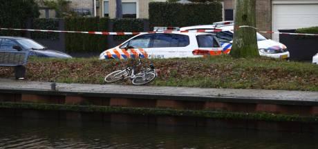 Politie haalt lichaam uit het Apeldoorns Kanaal in Wapenveld