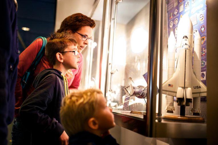 Leer alles over astronomie bij het Anton Pannekoek Instituut voor Sterrenkunde Beeld Weekend van de wetenschap