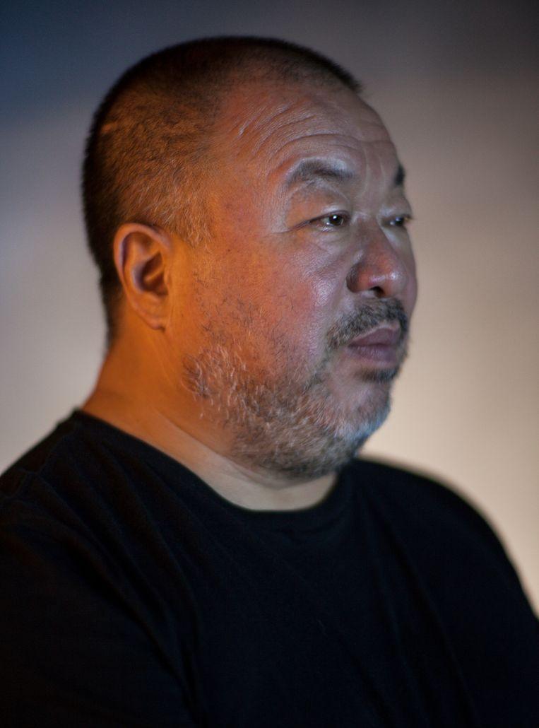 Ai Weiwei (61) is een Chinese kunstenaar en activist. Tot 1 september exposeert hij in de Kunstsammlung Nordrhein-Westfalen. Deze week liet hij de BBC weten dat hij een team naar Hongkong stuurt om daar de protesten te documenteren in interviews en filmbeelden –  wellicht als opmaat naar een nieuw politiek kunstwerk. Beeld Koos Breukel