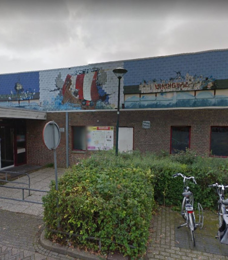 Scholieren spuiten graffitikunst op Vikinghal in Wijk bij Duurstede