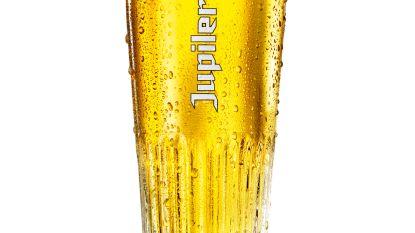 """""""Grotere glazen doen meer drinken"""""""