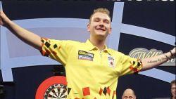 Fenomenale Dimitri 'Dream Maker' Van den Bergh vloert voormalig BDO-wereldkampioen in eerste ronde WK darts
