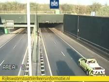 Vlaketunnel op A58 dicht door storing in bediening