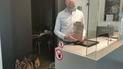 """Waakzame juwelier Wim Ruelens neemt extra maatregelen voor heropening zaak: """"We moeten goed opletten nu iedereen een mondmasker draagt"""""""
