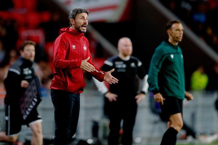 PSV-trainer Van Bommel.