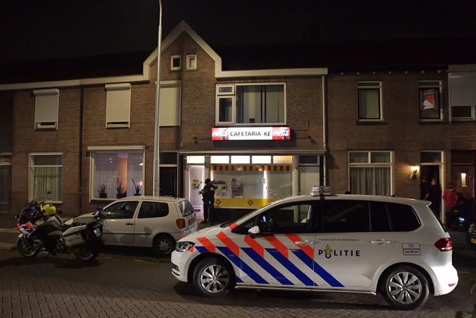 De overval op Cafetaria Ke in Tilburg werd rond 21.00 uur gepleegd.