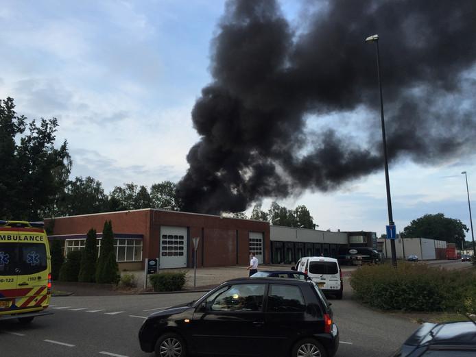 De rookwolk is in de verre omtrek te zien. Foto: Pim Velthuizen