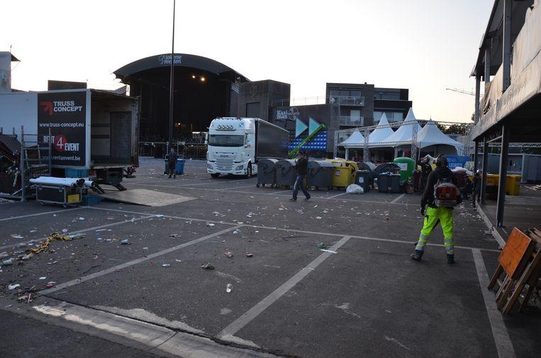 De medewerkers van de stedelijke, technische dienst hadden dit jaar minder werk op het festivalterrein van de Lokerse Feesten.