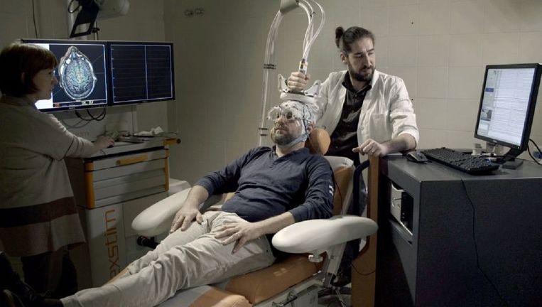 Wat weten we over ons bewustzijn? De documentaire Das Rätsel unseres Bewusstseins bekijkt de nieuwste ontwikkelingen in de neurowetenschap. Beeld Scientifilms