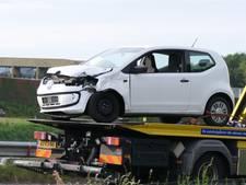 Vrachtwagen en auto botsen bij afrit A28 Leusden