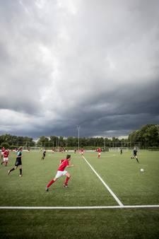 Aftellen naar de aftrap: speciale bijlage amateurvoetbal!