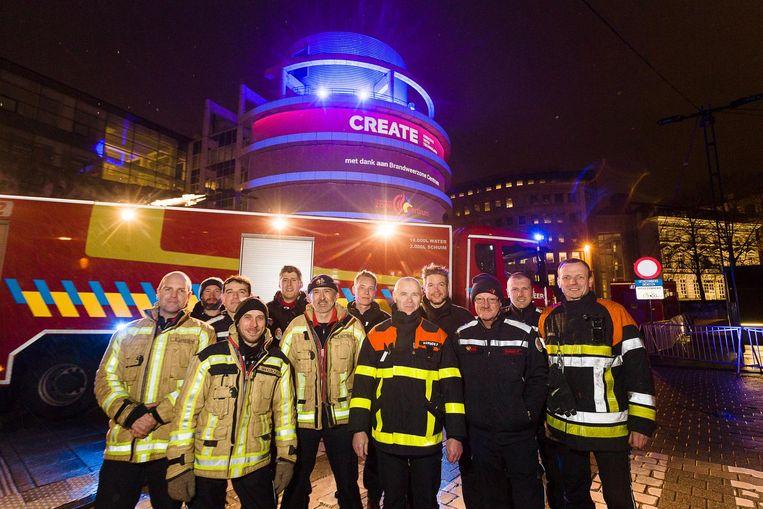 Leden van Brandweerzone Centrum aan het administratief centrum.