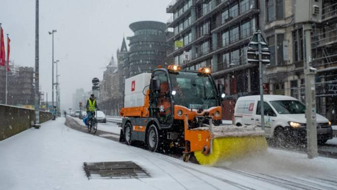 """Stad bereidt zich voor op winterprik: """"14 zoutstrooiers en 12 pekelstrooiers staan klaar om uit te rijden"""""""