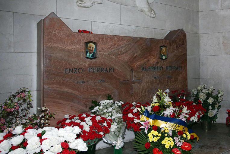 Het familiegraf van de Ferrari's op de begraafplaaats Cimitero di San Cataldo in Modena. Beeld ap