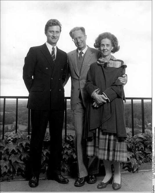 Le prince Philippe avec le roi Baudouin et Fabiola, à Ciergnon, en juillet 1990. Le prince avait 30 ans.