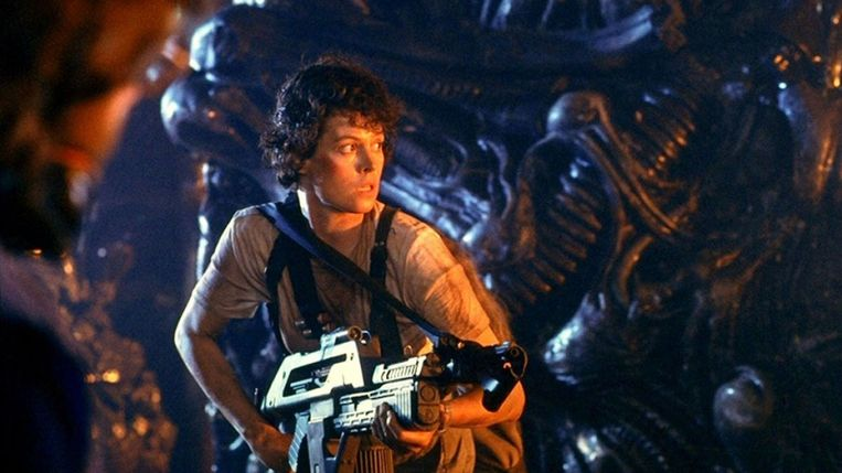 Sigourney Weaver in Aliens van James Cameron. Beeld