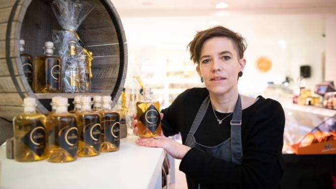 """Buurtwinkel Den Distel stelt eigen gin voor: """"Geheim ingrediënt verklappen we niet"""""""