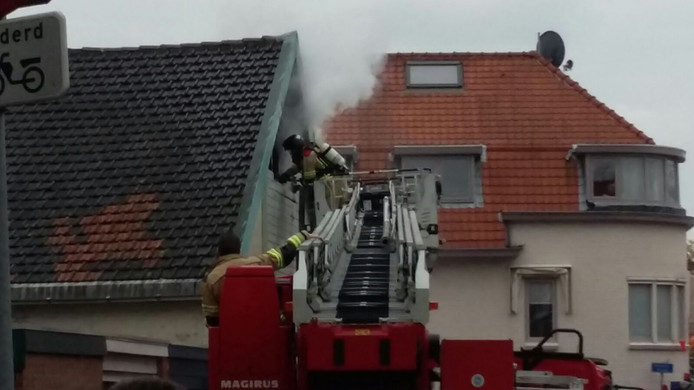 Brand in een loods in de Poldermanstraat.
