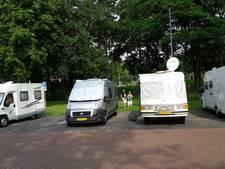 Betalen voor parkeren op camperplaats in Gennep